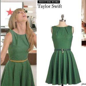 NWT ModCloth A-line green sleeveless dress size 8
